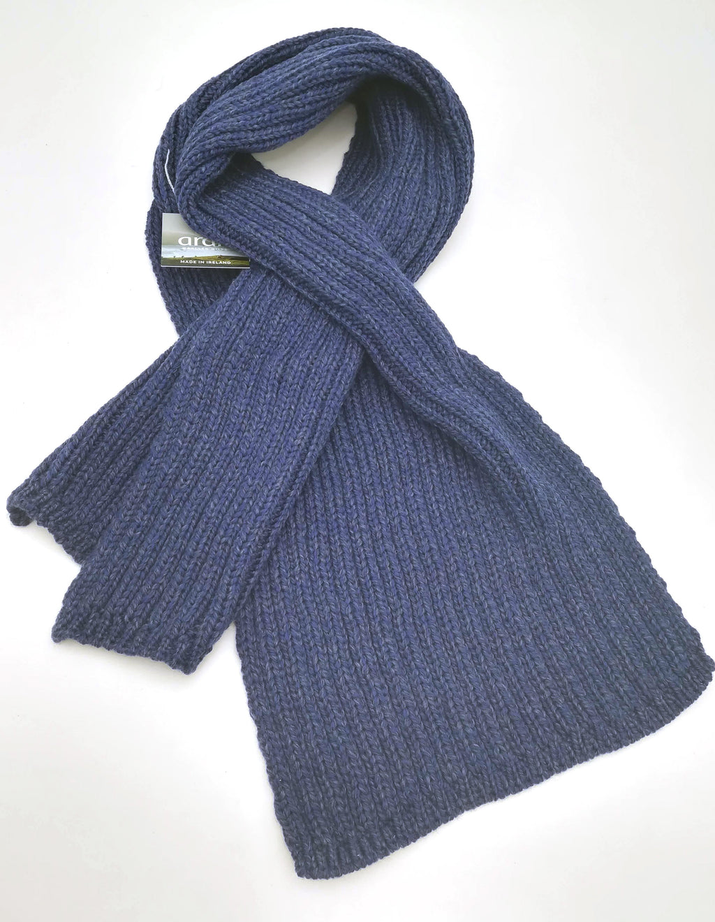 Rib knit pull through scarf