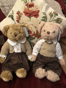 Brown couple teddies
