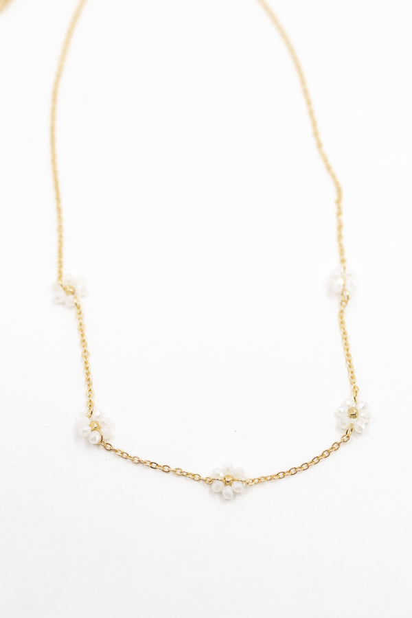 Daisy Dainty Necklace