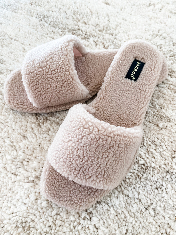 Ivy Blush Sherpa Slippers