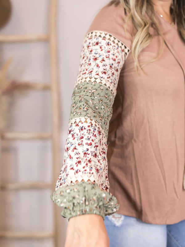 Evelin Floral Sleeve Top