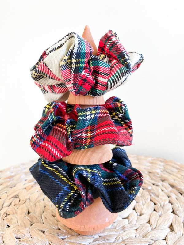 Holiday Plaid Scrunchie Set