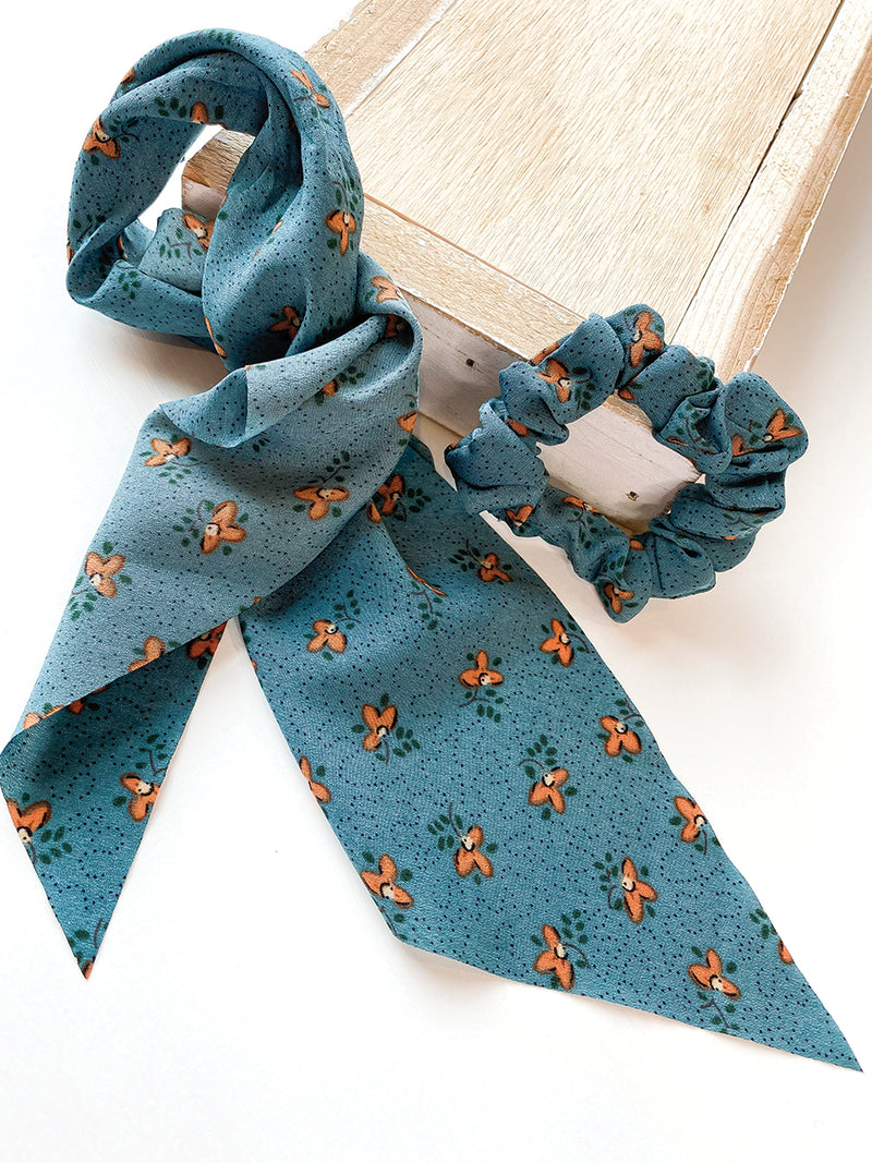 Vintage Blue Floral 2 in 1 Scrunchie