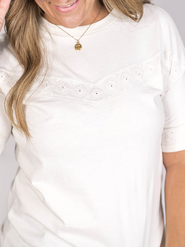 Embroidered Detailed Ivory Tee
