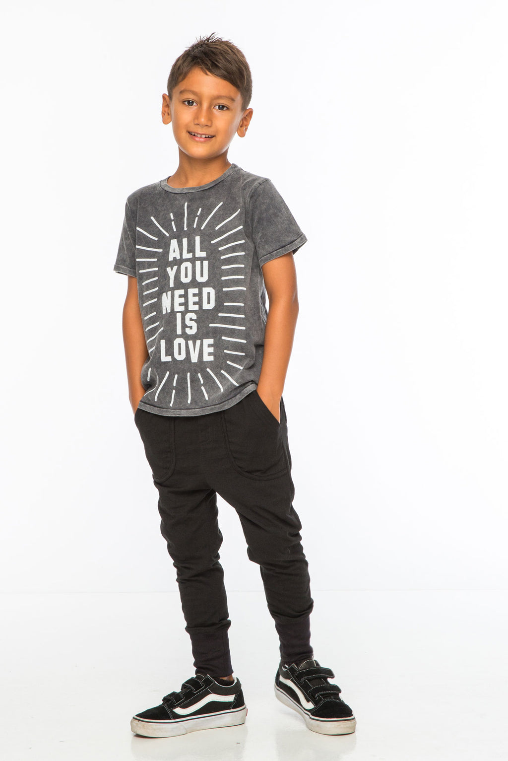 ALL YOU NEED IS LOVE S/S ROUND NECK T CHARCOAL - Zuttion