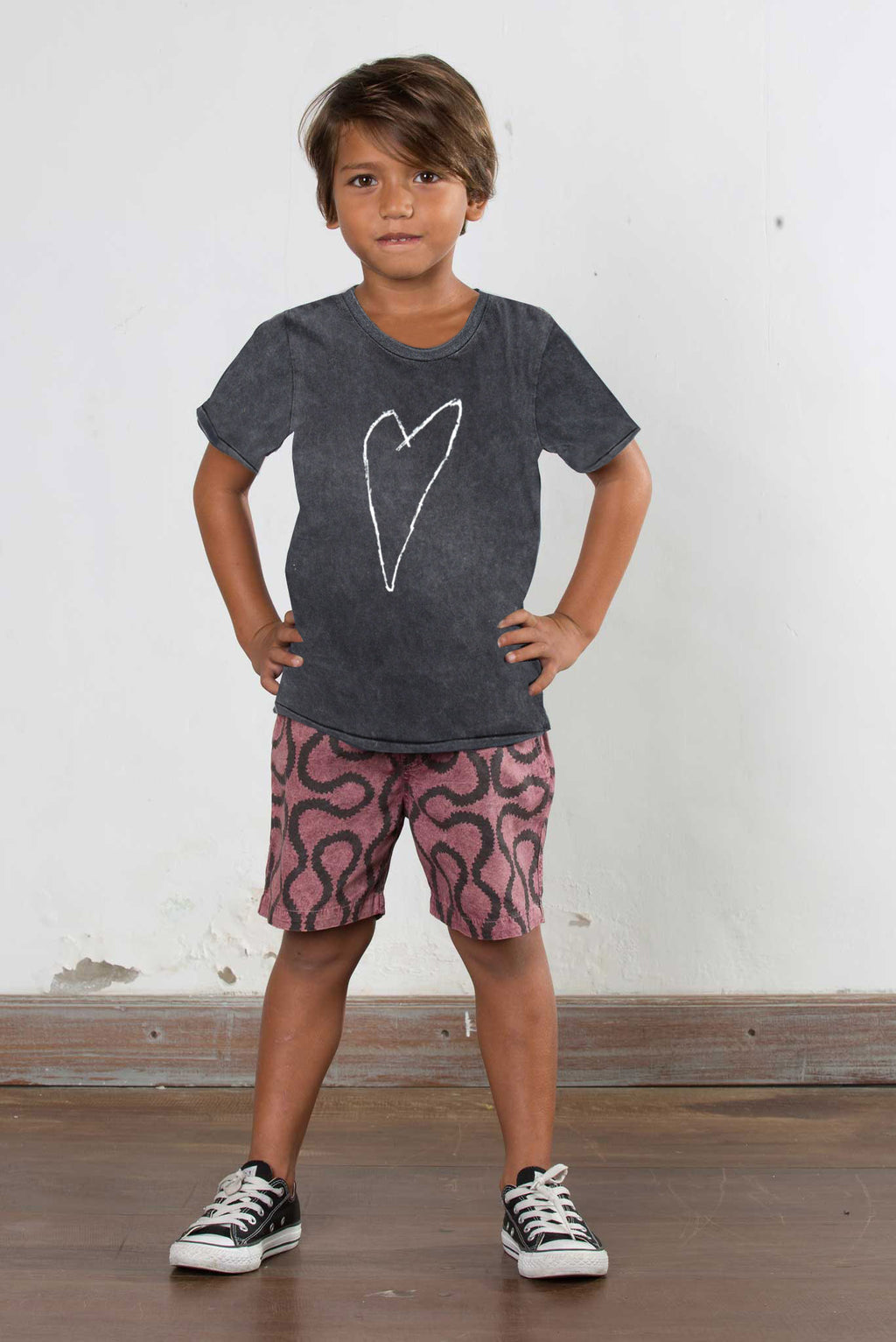 HEART ROUND NECK T'SHIRT CHARCOAL - Zuttion