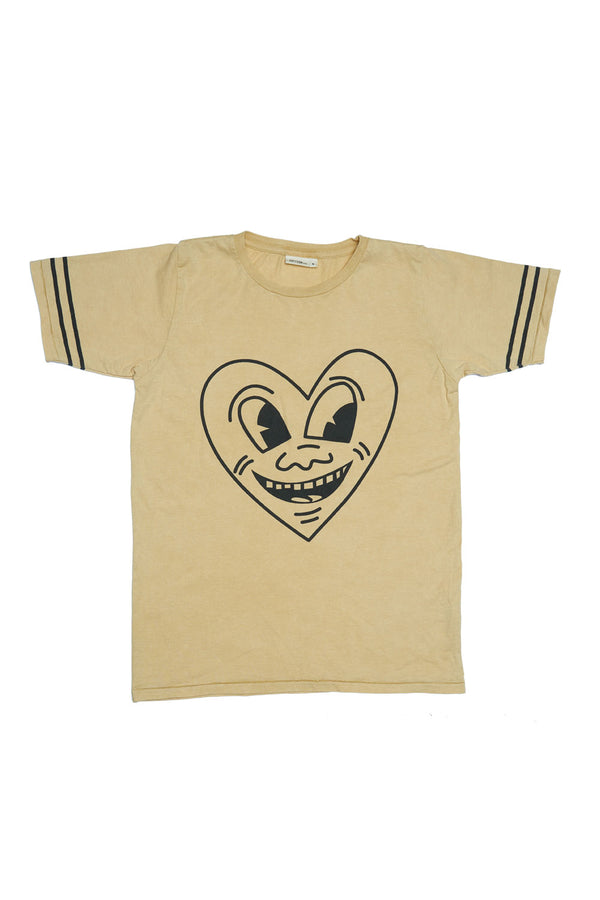 SMILEY HEART S/S ROUND NECK T MUSTARD