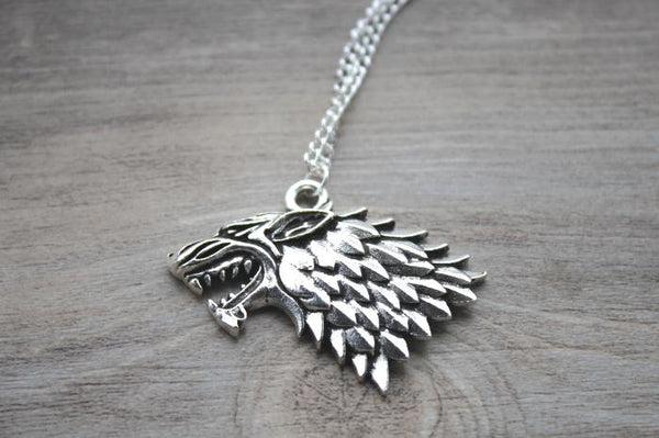 The song of ice and fire Game of Thrones - Stark Wolf Necklace silver tone