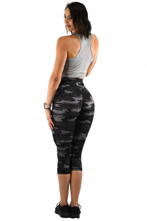 Effortless Scrunch Capris- Black Camo