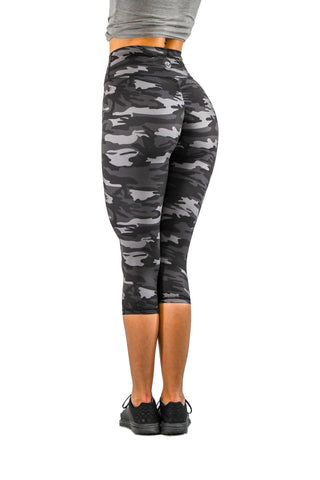 Effortless Classic Capris- Navy