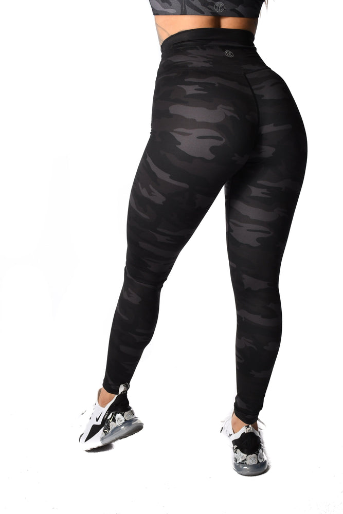 Effortless Classic Leggings - Black Camo