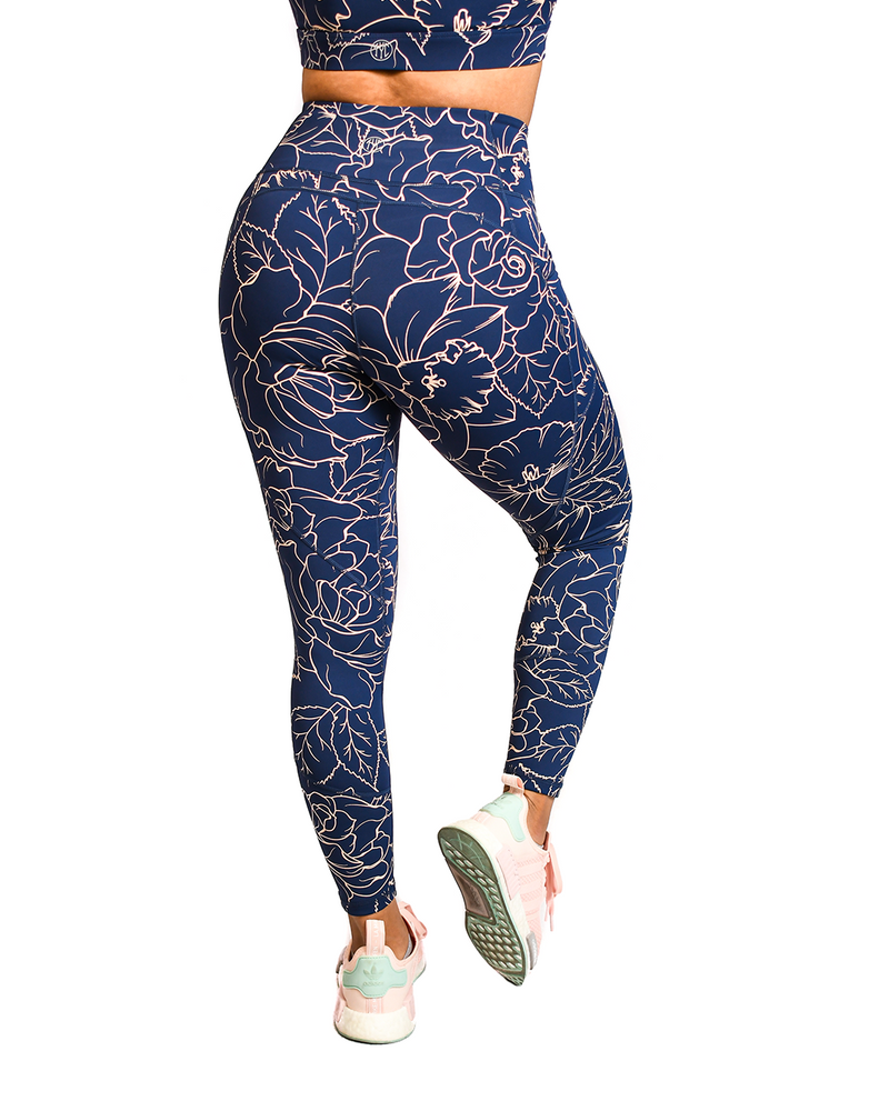 Effortless Heart Booty Leggings- Royal Roses