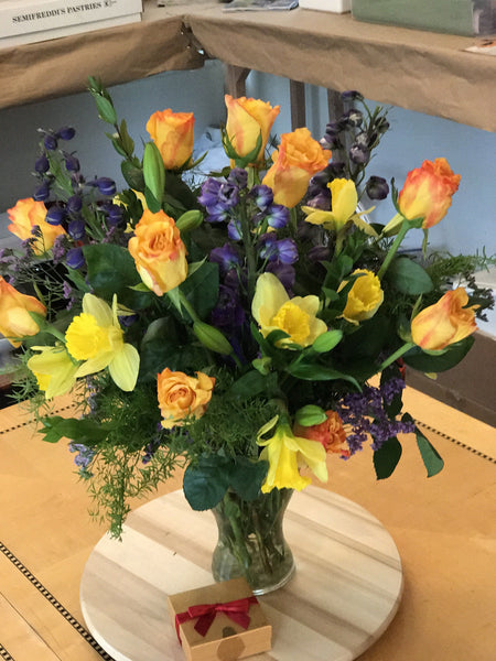 Vaneshan Crush - Medium Orange Juice Roses - VineLily Moments