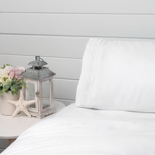 Fretwork Pillowcase - 1800 Thread Count Ultra Comfort, Hypoallergenic