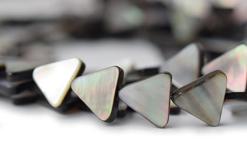 "15.5"" 12mm Natural Black shell triangle beads"