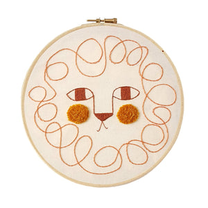 Lion Decorative Embroidery by Estudio Rio - minifili