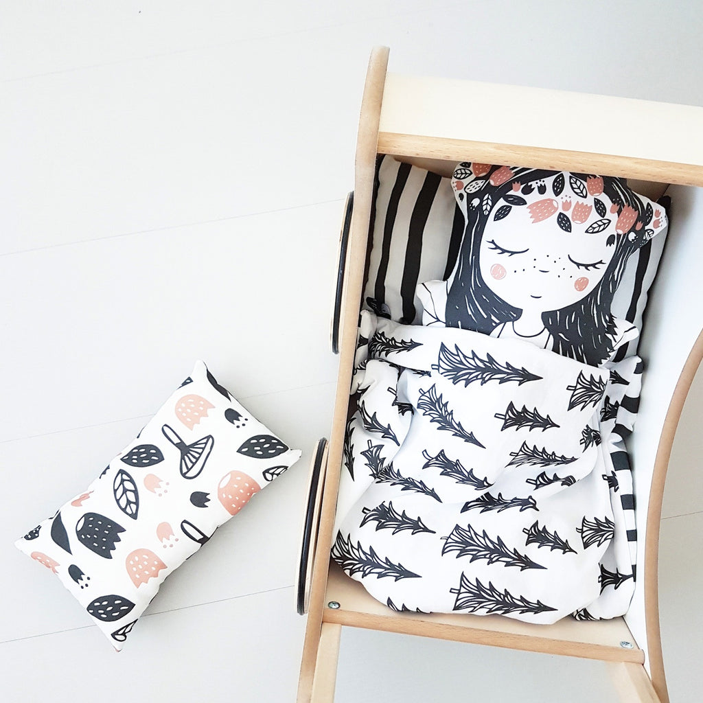 Foxella and Friends - Finnish Woodland Dolls Bedding