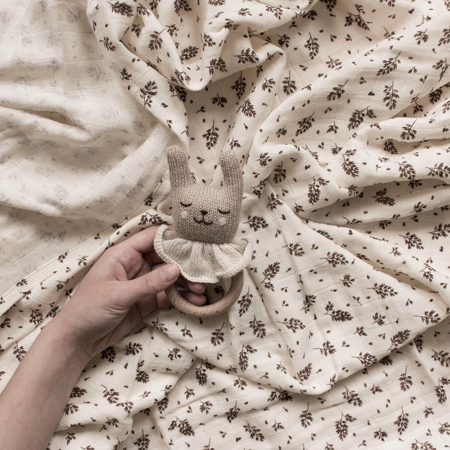 Rabbit Teething Ring by Main Sauvage - minifili