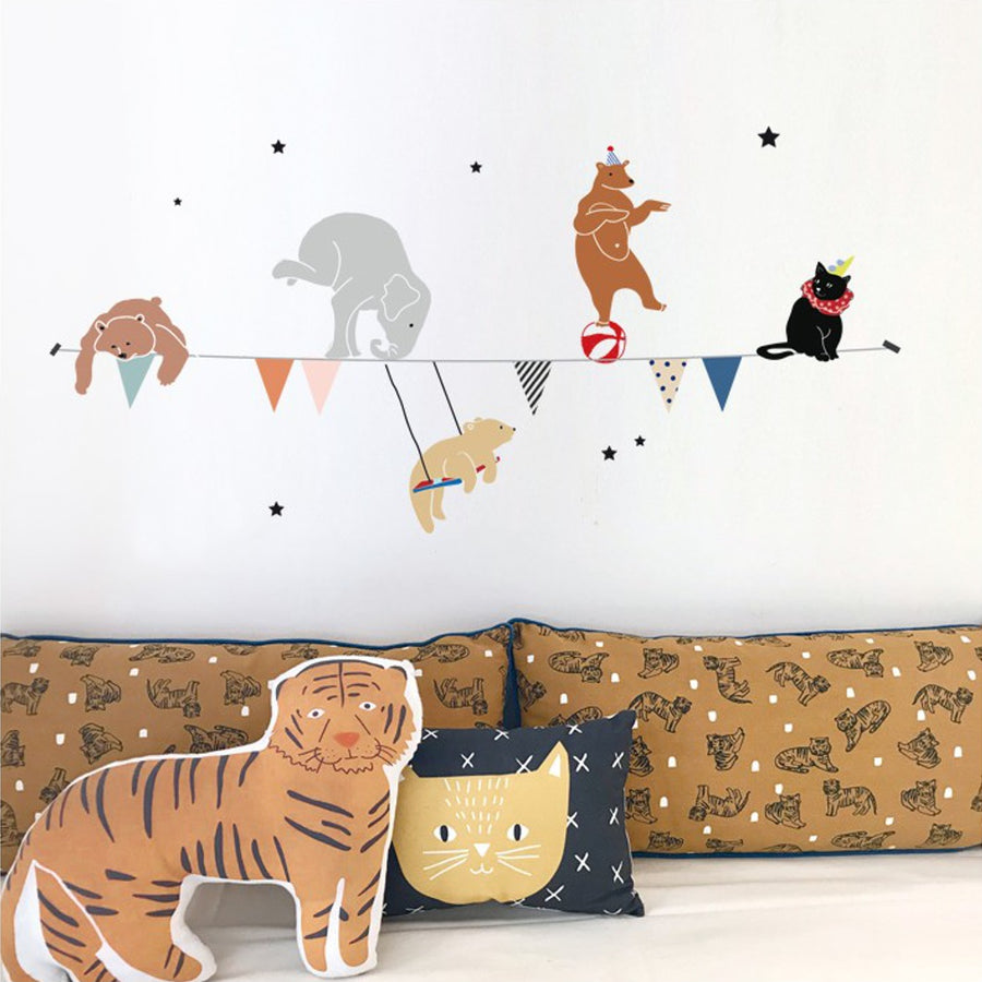 Circus Garland Wall Decal by MIMI'lou - minifili