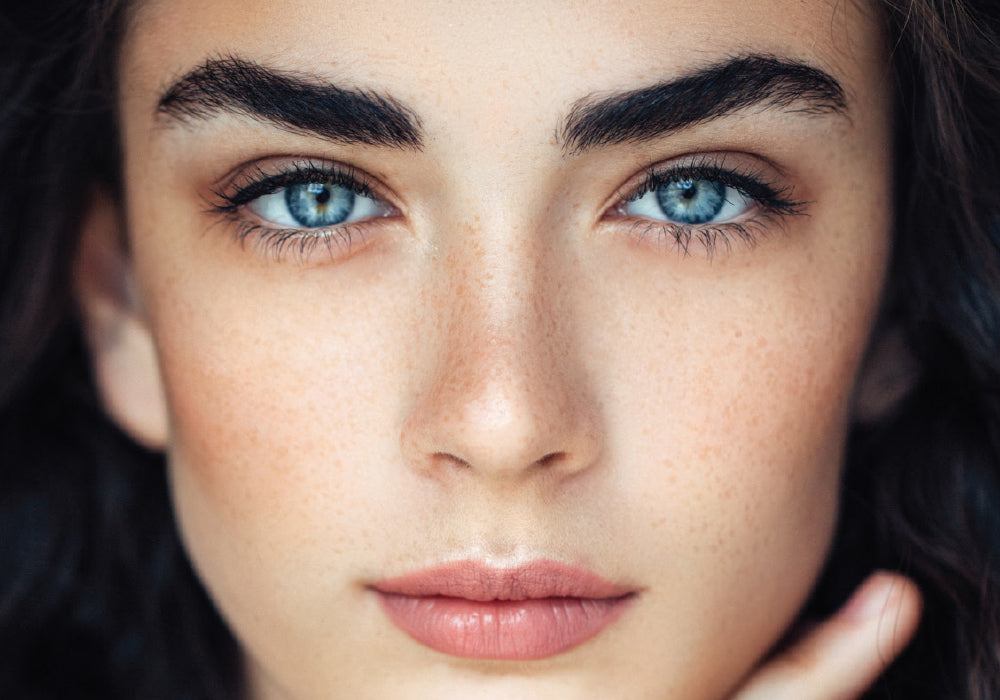How to do the eyebrows with makeup?
