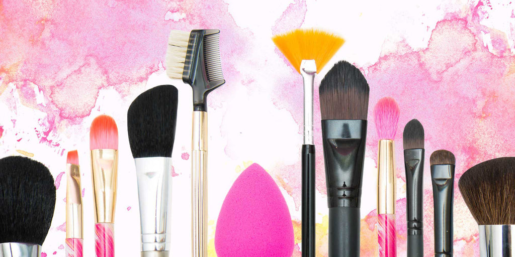6 Essential makeup brushes every woman needs!