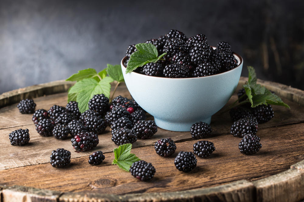 The benefits of the blackberries for the skin