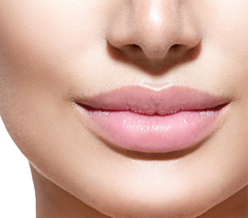 How to hydrate the lips in autumn?