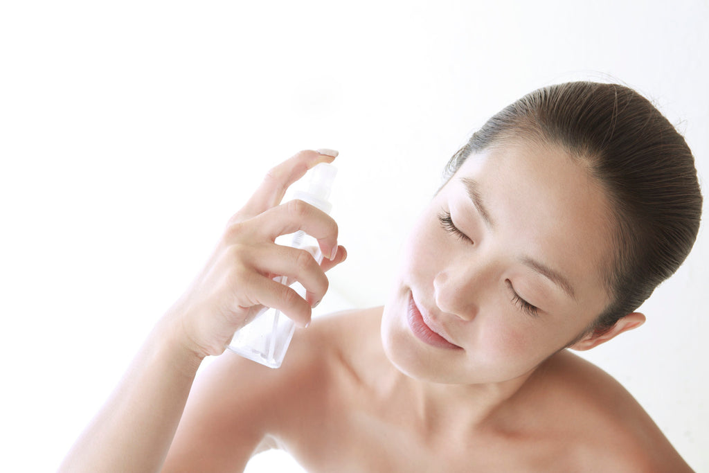Make your own facial mist for this summer