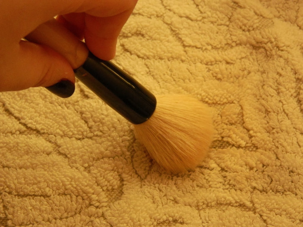 How to clean your makeup brushes?