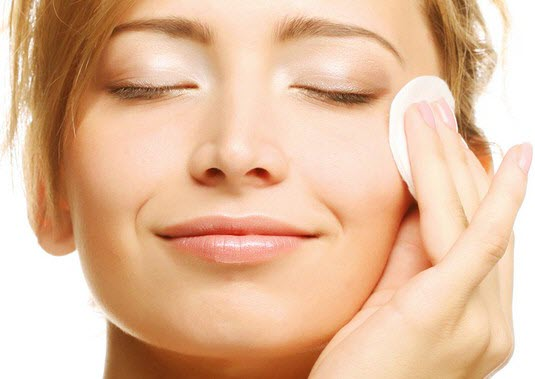 3 wonderful natural toners for oily skin!