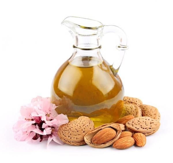 Almond oil: completely natural and perfect for your body