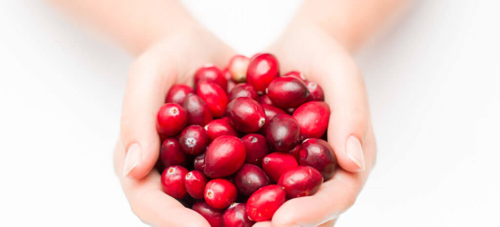 Experience the bunch of beauty benefits of the cranberries