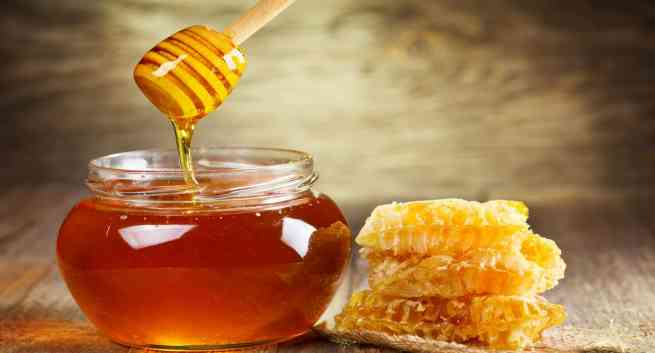 Honey-the most powerful ingredient for the skin