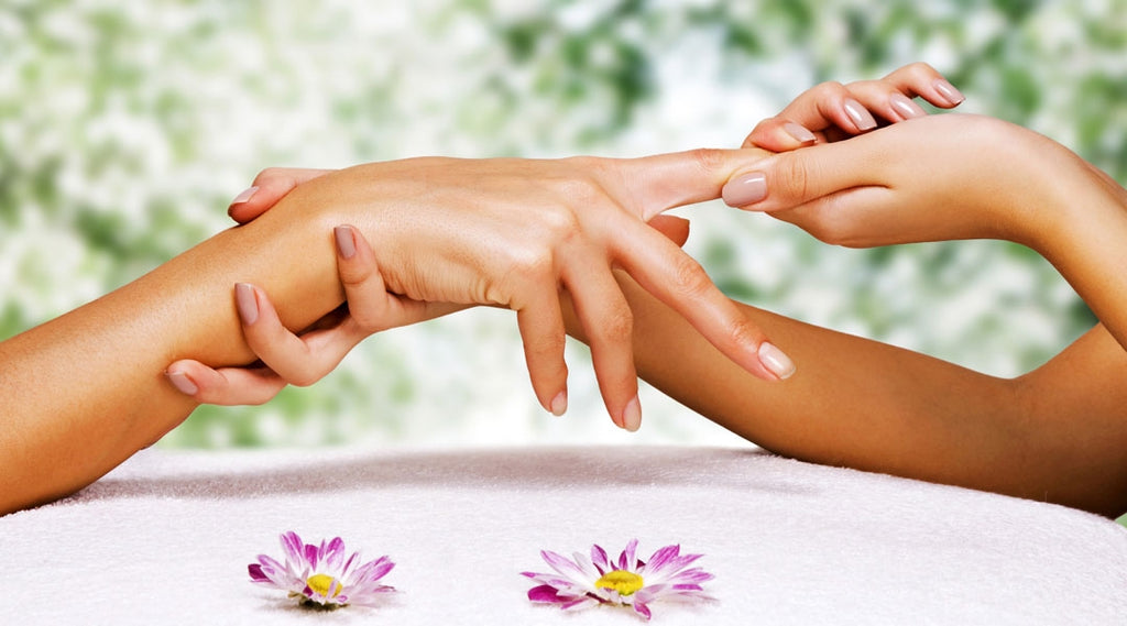 How to take care of your hands naturally?