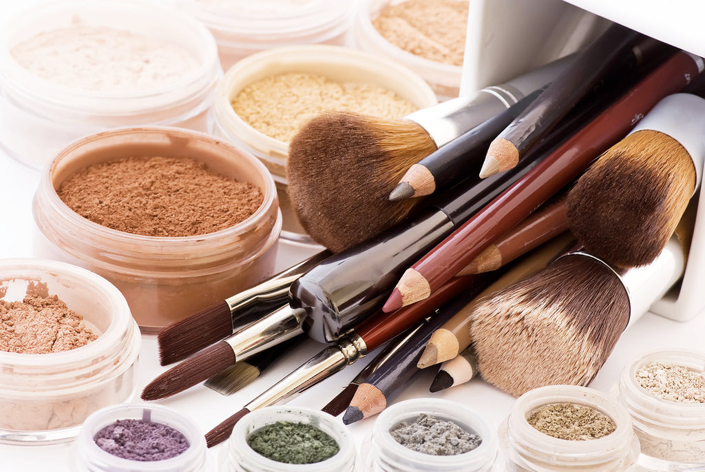 "Make your own natural ""Make-up Line"" with the ingredients found in your kitchen"
