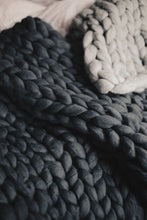 Chunky Merino Wool Blanket Medium
