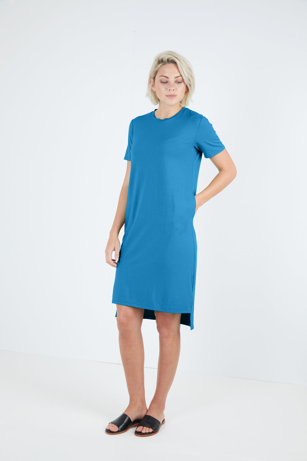 Crew Neck Dress With Sleeves And Pockets - Sale