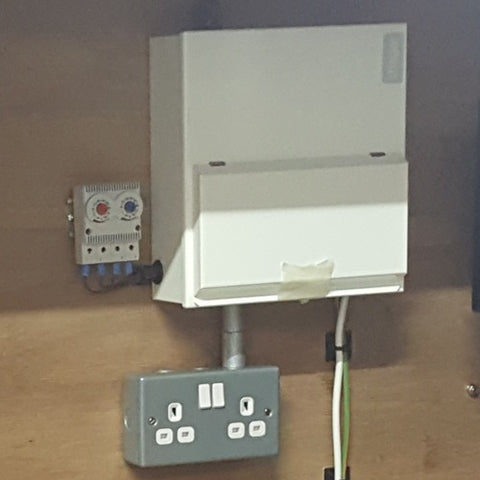 Consumer unit 6 Way. Metal with 100 Amp Main Switch.