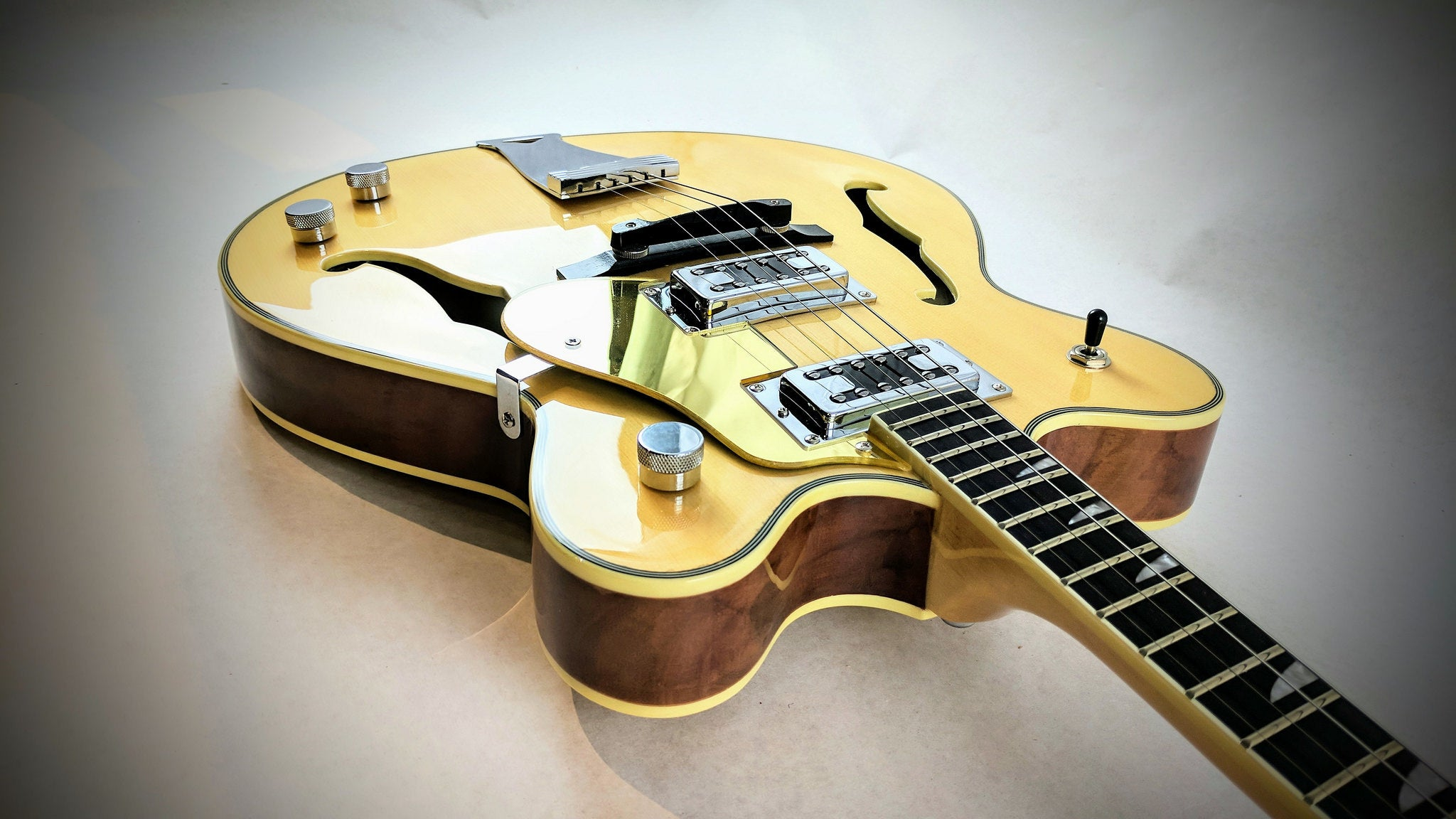 Tenor Guitar Guide: What You NEED to Know – Eastwood Guitars