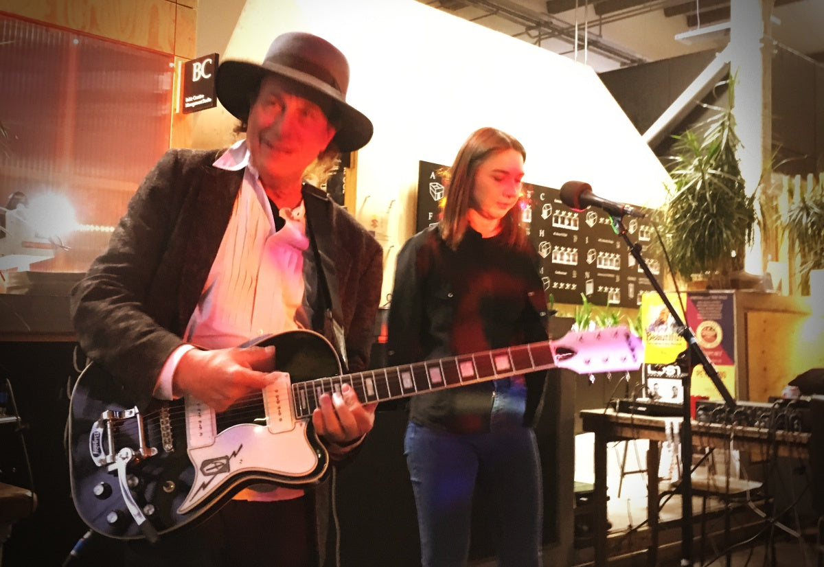Gary Lucas and Natalie McCool live