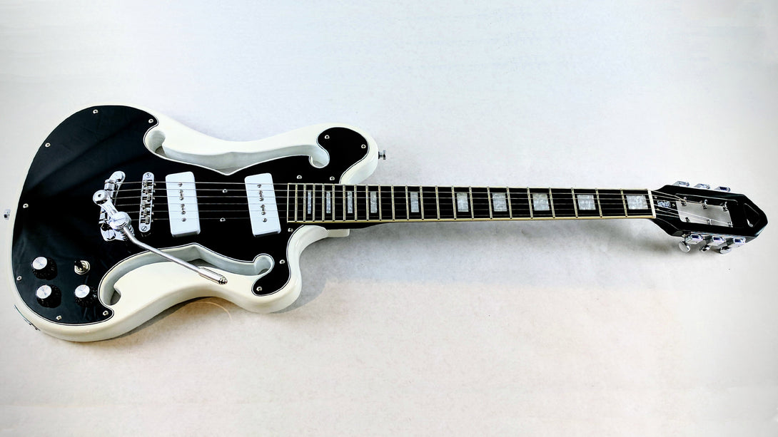 Eastwood Guitars Deerhoof Signature EEG DLX Black on White Angled