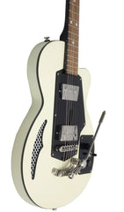Eastwood Guitars Wandre Soloist 2P Vintage Cream Player POV