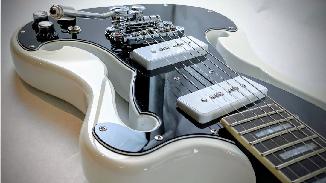 Eastwood Guitars Deerhoof Signature EEG DLX Black on White Closeup
