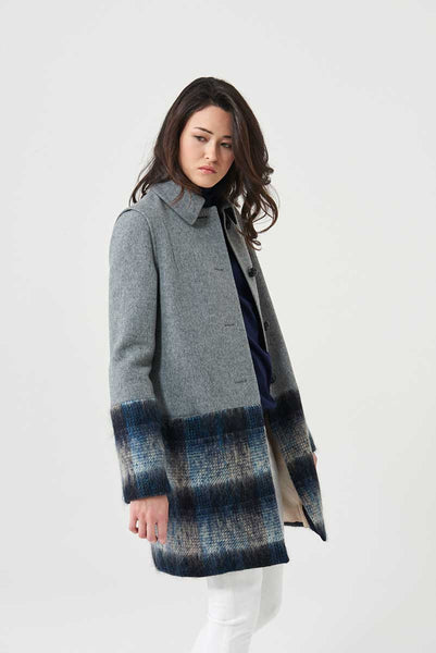 Coat check fabric with geometric details