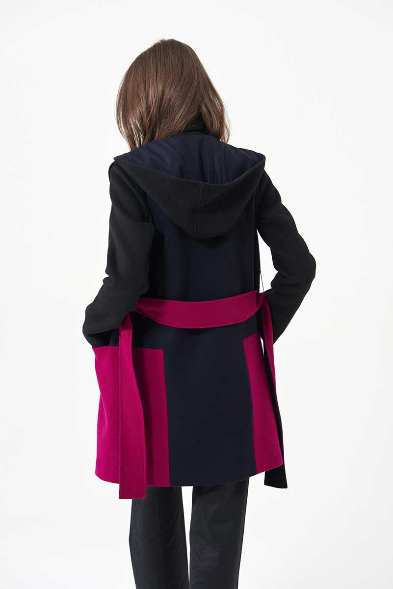 Duffle-coat in loden fabric with geometric inserts