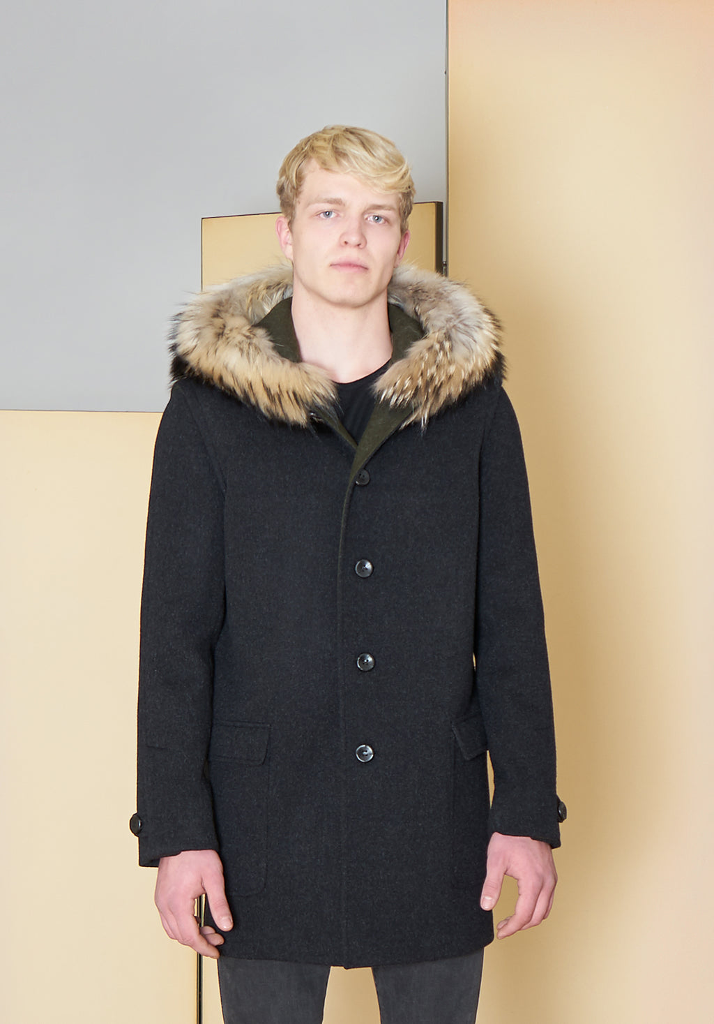 Duffle Coat in 100% extra-fine merino wool.