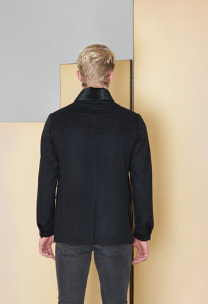 Jacket in 100% extra-fine merino wool.