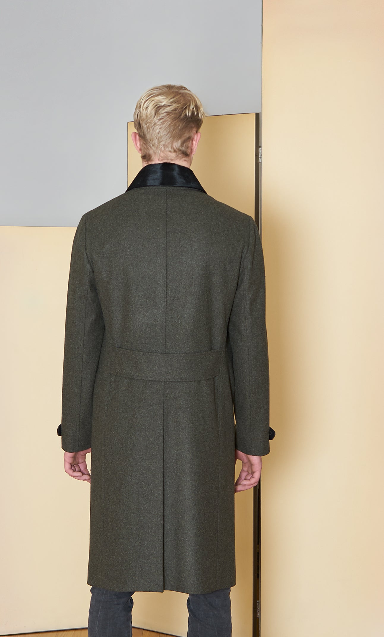 Long Coat in 100% extra-fine merino wool with ponyskin details