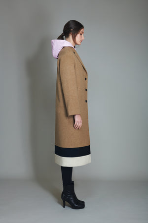 Coat in 100% extra-fine merino wool with striped intarsia.