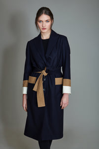 Boxer coat over in 100% extra-fine merino wool with striped intarsia.